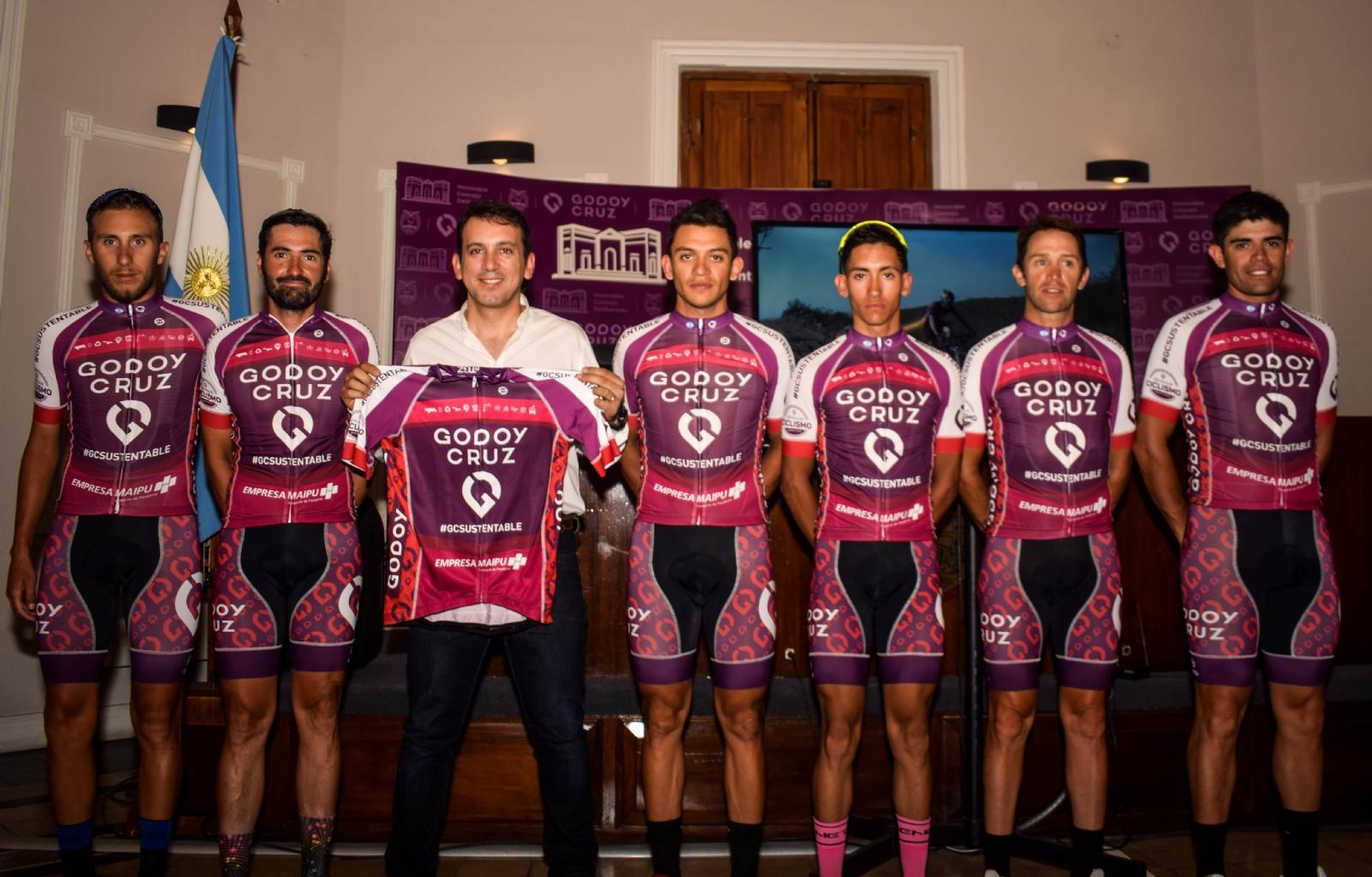 Este es el equipo de ciclismo de Godoy Cruz - Mendovoz
