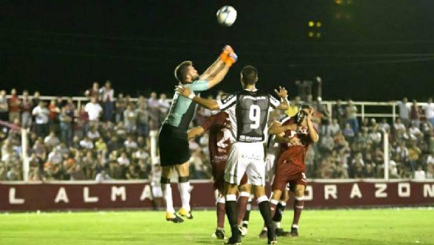 Gimnasia recibe a Central Córdoba en un duelo clave